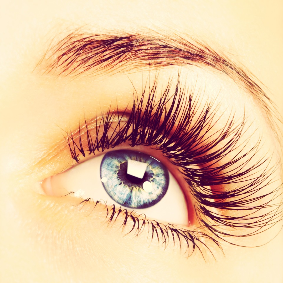 how to take off mascara without ripping out eyelashes